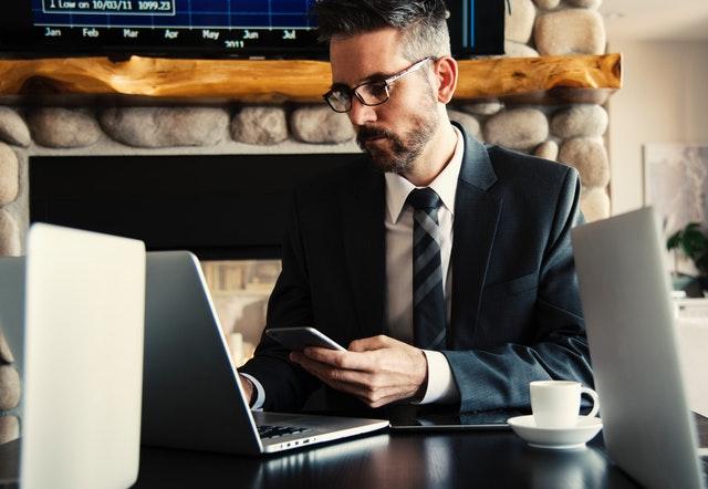 中小型企业怎么做员工福利计划?网友给出了答案